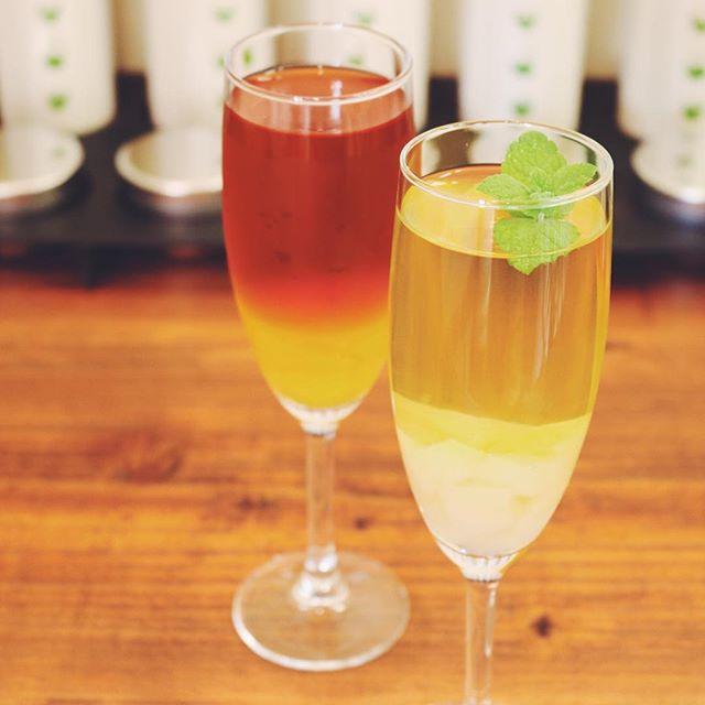 夏っぽいteaという事で岡山白桃のグリーンティー。ルイボスのピーチマンゴー。暑い夏には涼しげなグラスで飲みたいですね。#緑茶 #ルイボスティー #フルーツティー #桃 #ふくちゃ #グリーンティー #無印良品 #お茶