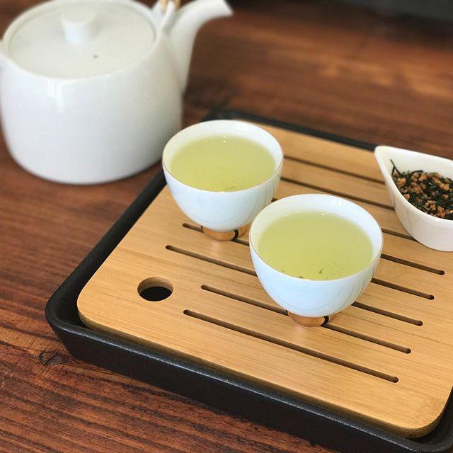 今日は冷え込みますね〜こんな日はホッコリと玄米茶がオススメ。沁み渡ります。#今日のtea #玄米茶 #緑茶 #tea